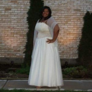 David's Bridal size 20 lace and tulle